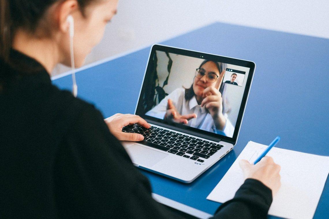 utiliser les vidéos pour rendre votre entreprise visible